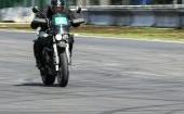 Posūkio įveikimas per 2 dienas su California Superbike school